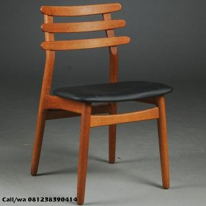 Kursi Cafe Murah Simple Minimalis Jati, indo kursi, indo jati, berkah jati, lemari pajangan jepara